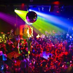 Listado de canciones imprescindibles que tienen que sonar en toda fiesta discotequera revival 90's que se precie de serlo (II)