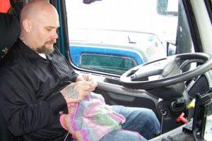 Además de salvar vidas muchos camioneros saben hacer ganchillo.