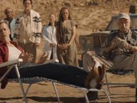 """El sorprendente regreso de Kevin Bacon al universo de """"Temblores"""": El actor se reúne 31 años después con Michael Gross en Perfection para un anuncio."""