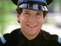 """Steve Guttenberg revive la esperanza de que haya una nueva secuela de """"Loca academia de policía"""""""